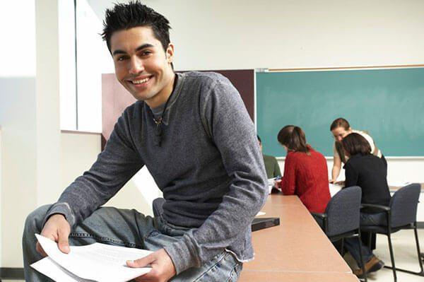 Estudiantes-centroamericanos-en-EE-UU-completan-jornadas-laborales-de-hasta-19-horas