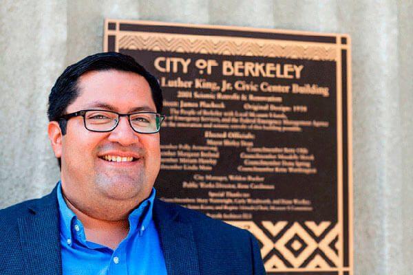 A los diez años marchó con Dolores Huerta, hoy es el primer alcalde latino de Berkeley, California