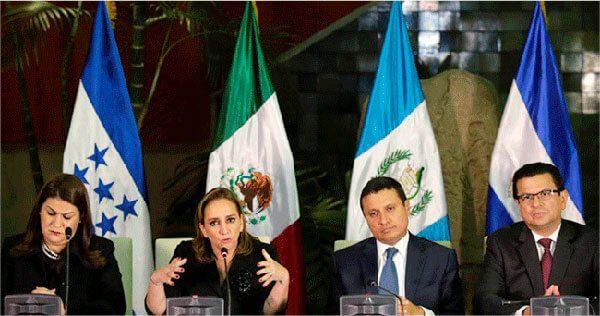 Cancilleres de El Salvador, Guatemala y Honduras trazan plan para asistir a inmigrantes