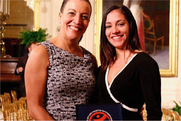 Grupo de danza cubano recibe histórico premio en la Casa Blanca