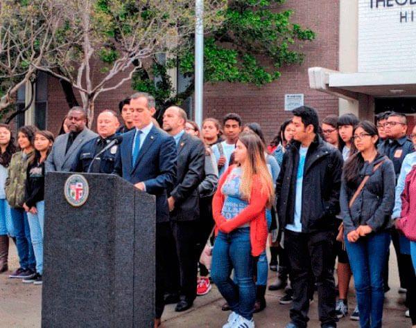 Los-Angeles-no-permitira-a-agentes-de-migracion-entrar-a-las-escuelas