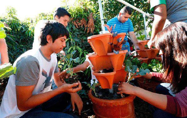 Los-inmigrantes-mexicanos-que-hicieron-florecer-todo-un-distrito-escolar-en-LA