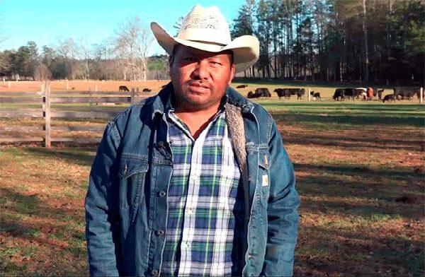 Hispano-pasa-de-ser-trabajador-del-campo-a-ranchero-en-Carolina-del-Norte