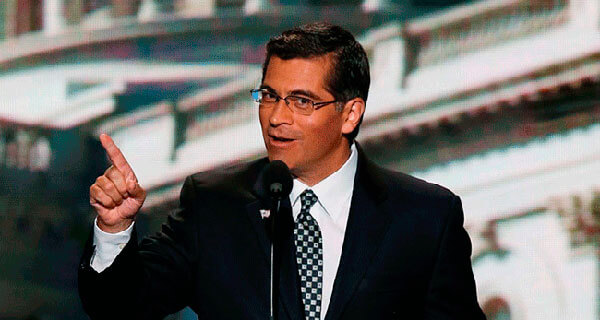 Nuevo procurador latino de California promete defender a inmigrantes