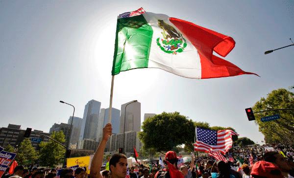 Ruiz Massieu y alcalde de Austin reconocen aportación de migrantes