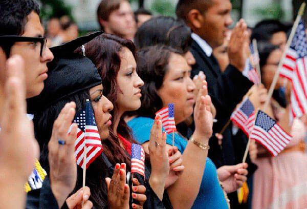 Senadores-presentan-legislacion-para-proteger-a-DREAMers-por-3-anos