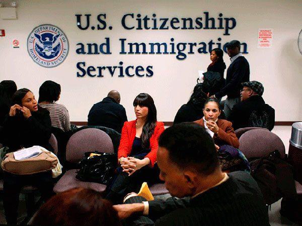 """USCIS Anuncia la Extensión de los Permisos de Permanencia Temporal (""""Parole"""") para Familiares Inmediatos de Ciudadanos Estadounidenses"""