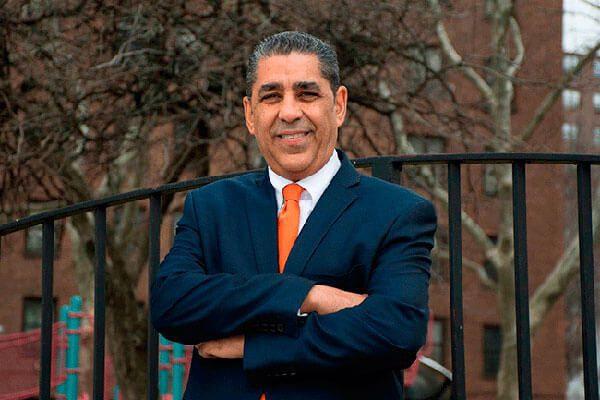 Adriano-Espaillat-de-indocumentado-al-primer-dominicano-en-el-Congreso-de-Estados-Unidos