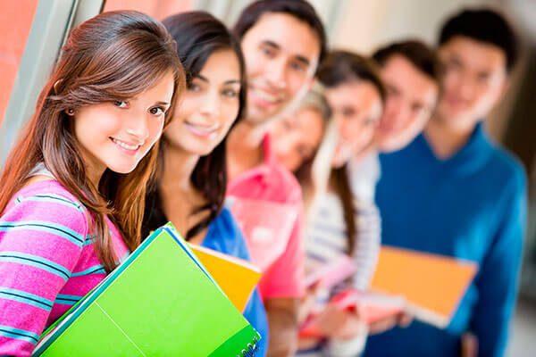Ayuda-gratuita-con-el-llenado-del-formulario-FAFSA-y-Dream-Act-de-California