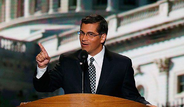 El latino Xavier Becerra, confirmado como jefe de la justicia en California