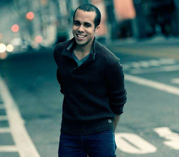 Joven-puertorriqueno-cumple-su-sueno-de-llegar-a-Broadway
