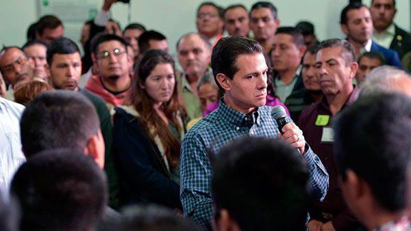 Recibe el Presidente Enrique Peña Nieto a mexicanos repatriados de los EUA
