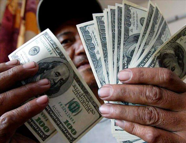 Abre una cuenta de banco y envía remesas gratis, recomienda el consulado de México