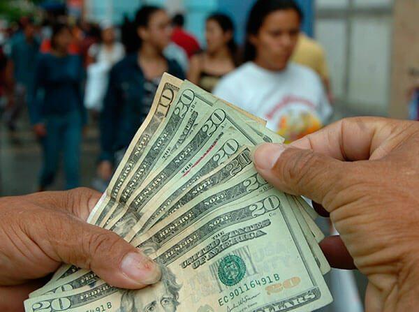 Banqueros-sugieren-a-inmigrantes-abrir-cuentas-en-Mexico-ante-posible-deportacion