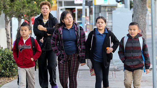 Comisiones de diputados avalan iniciativa para revalidar estudios de migrantes