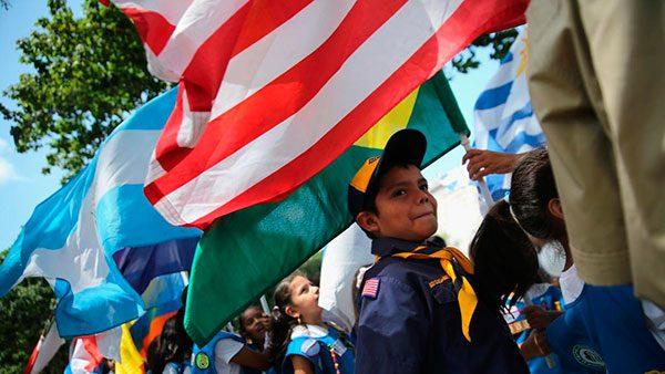 Como-reportar-redadas-de-inmigracion-y-obtener-ayuda-en-todo-el-pais