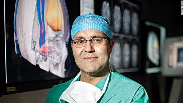 El-neurocirujano-mas-famoso-de-EU-es-mexicano
