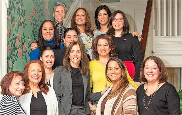 Hay ayuda para que más mujeres latinas ganen puestos públicos