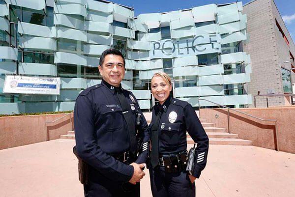 Como-un-indocumentado-llego-a-ser-lider-del-LAPD