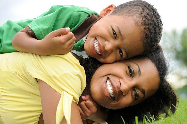 Recomiendan a indocumentados firmar poderes legales para proteger a sus hijos