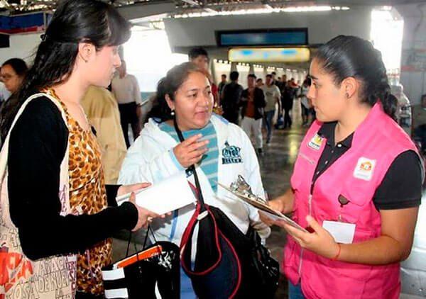 Sederec entrega tarjetas de apoyo a migrantes; mujeres las que más la solicitan