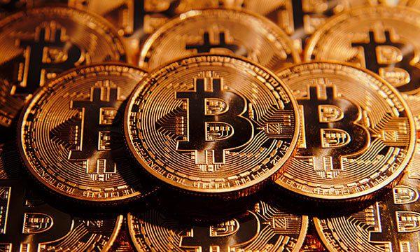Estados Unidos se plantea aceptar bitcoin para visas de inversionistas