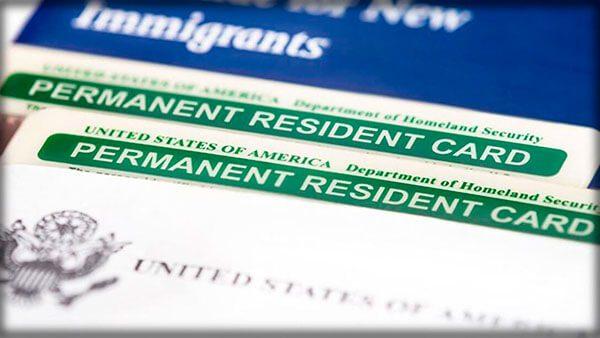 USCIS Expidió las Tarjetas Verdes y los Documentos de Autorización de Empleo