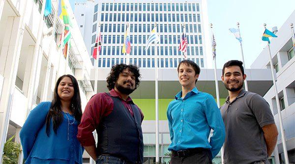 Entrenarán nuevos voluntarios legales en defensa contra deportación