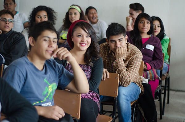 Facilidades-para-apoyar-a-estudiantes-migrantes-en-caso-de-un-eventual-regreso-a-Mexico