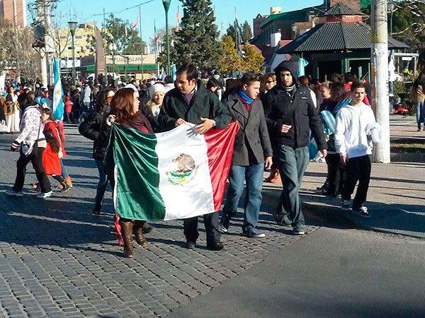 Mexicanos que viven en las Carolinas pueden abrir cuentas de banco en México