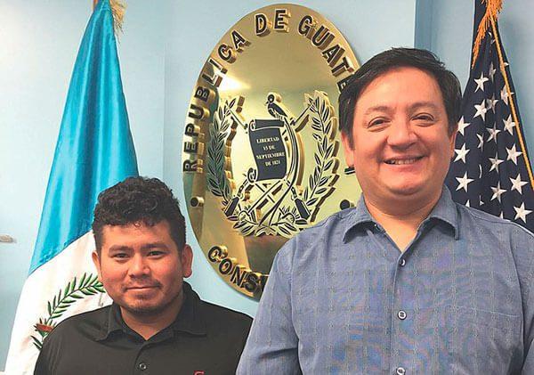 Guatemaltecos solidarios con sus paisanos