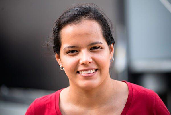 La chica mexicana que conquistó a Apple y llegó a Stanford