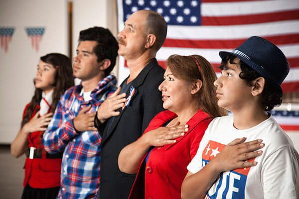 Lanzan en Arizona campaña para que migrantes tramiten ciudadanía
