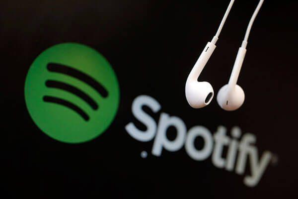 Activistas-latinos-participan-en-campana-de-Spotify