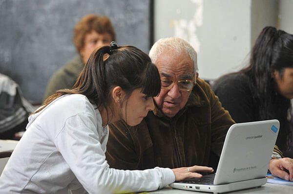 Educacion-Obligatoria-Universitaria-Ingles-Y-Examen-Ciudadania