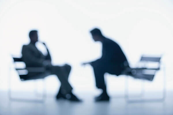 USCIS Incrementará el Requisito de Entrevistas en Persona para Ciertos Solicitantes de Residencia Permanente