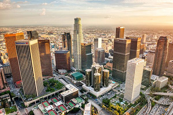 """Ayuntamiento de Los Ángeles sopesa estrategias para impedir detención de """"soñadores"""""""