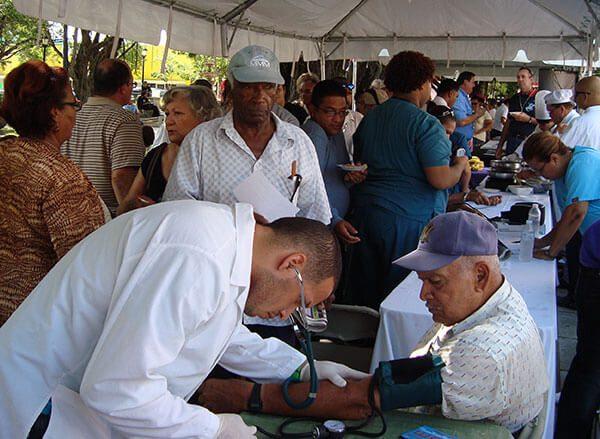 Feria de salud en la Placita Olvera