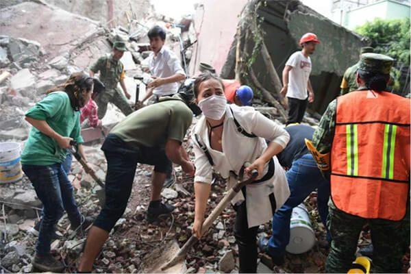Mexicanos-en-NYC-responden-a-la-tragedia-en-su-patria