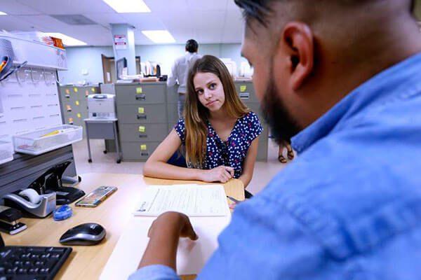 ¿Necesitas renovar DACA por última vez? Esta línea telefónica te conecta con todo lo que te hace falta