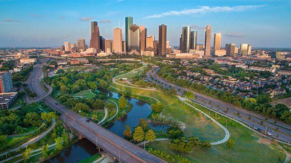 Fiscalía del condado de Harris en Houston cambia su política de fianzas para inmigrantes