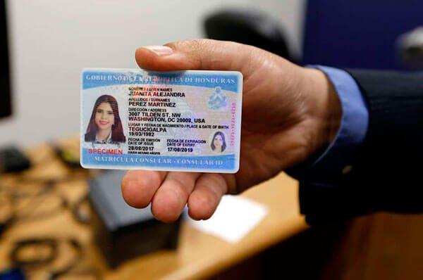 Honduras comenzará a dar matrículas consulares más seguras