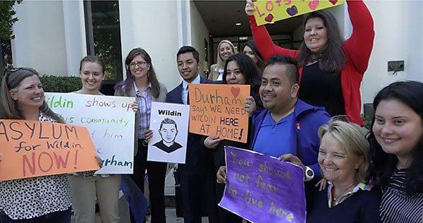 Juez otorga más tiempo a estudiante para pelear su caso migratorio