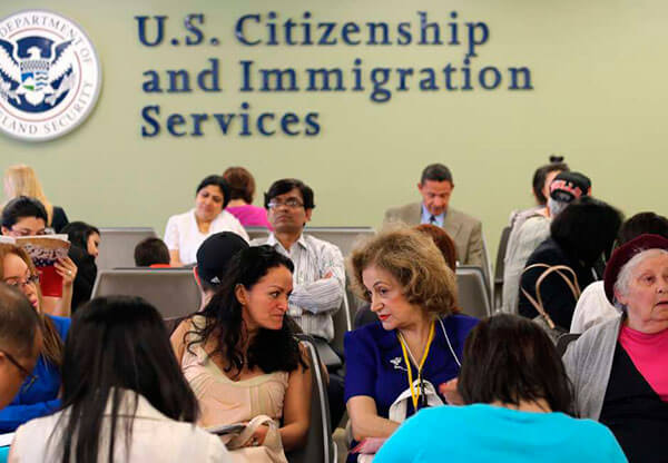 USCIS-y-SSA-facilitan-solicitud-de-permisos-de-trabajo-y-numero-de-seguro-social