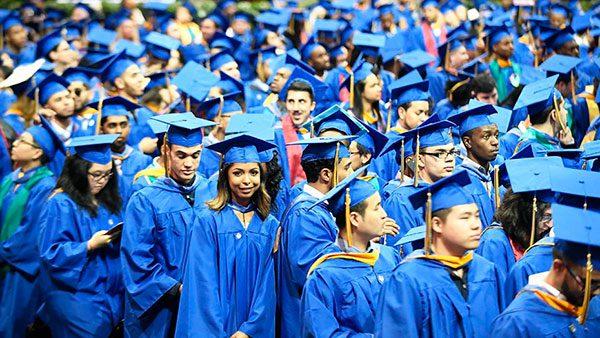 Becas para jóvenes latinos