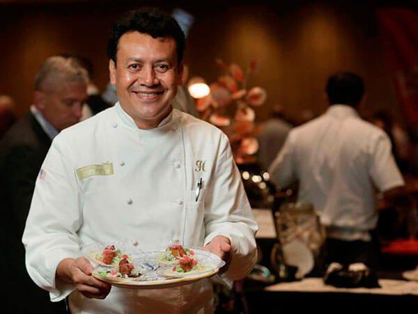 Hugo-Ortega-comenzo-como-lavaplatos-indocumentado-y-ahora-dirige-un-emporio-gastronomico