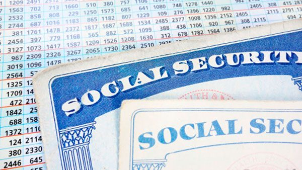 Residentes permanentes pueden obtener un seguro social en Estados Unidos