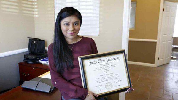 Indocumentada nombrada asesora del Senado de California