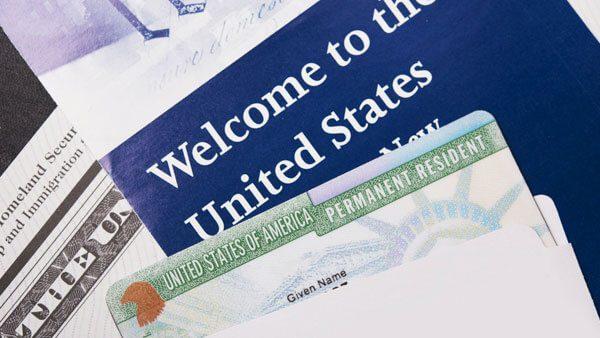Nuevo servicio de notificaciones de USCIS para recibir tus documentos