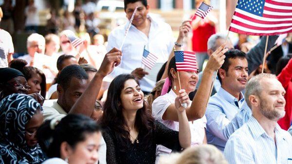 Extranjeros en Estados Unidos deben portar en todo momento estos documentos